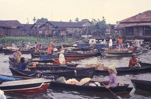 Pasar Terapung (Floating Market)