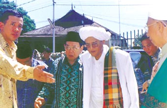 Bersama dengan Tuan Guru KH. Zaini Ghani Al Banjari